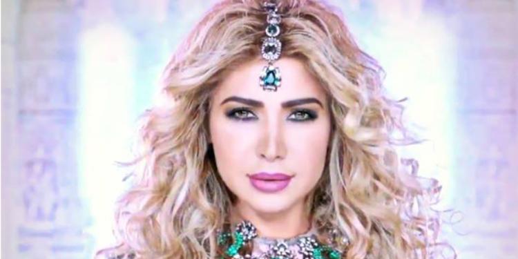 نوال الزغبي وفية لأزياء زهير مراد