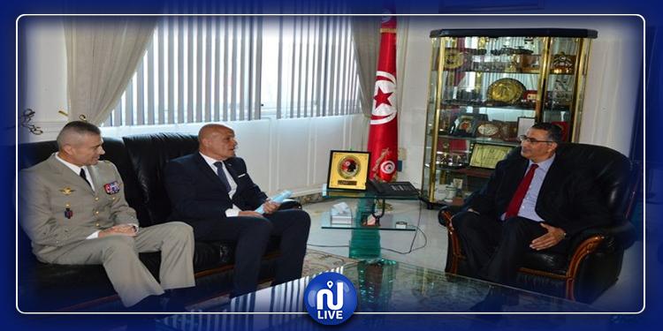 وزير الدفاع الوطني يؤدي زيارة إلى المستشفى الميداني العسكري بالعاصمة