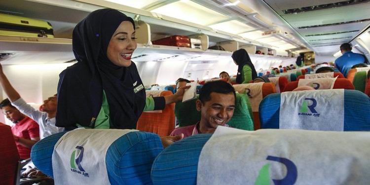أندونيسيا: إقليم آتشيه يفرض الحجاب على مضيفات الطيران المسلمات