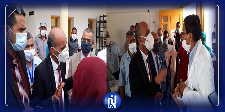 قبلي: وزير التربية يستمع لمشاغل الإطار التربوي والتلاميذ