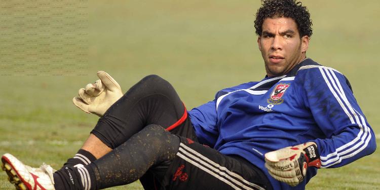الأهلي المصري يجهز شريف إكرامى لمواجهة الترجي الرياضي التونسي فى الكونفدرالية