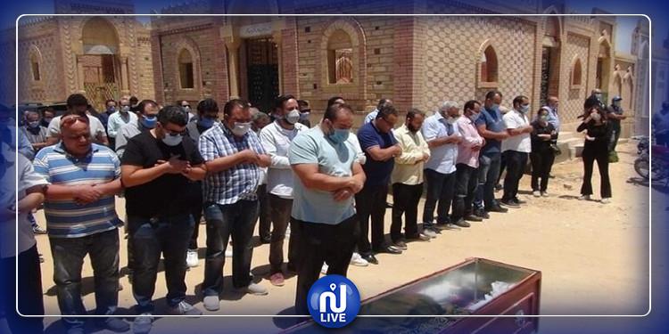غياب الفنانين بجنازة حسن حسني (صور وفيديو)
