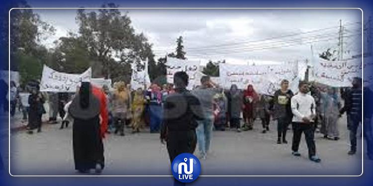 بنزرت: مسيرة سلمية للتنديد بتأخر إنجاز مشروع ملعب 15 أكتوبر