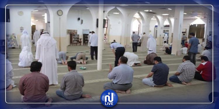 مصر تقيم أول صلاة جمعة منذ إغلاق المساجد